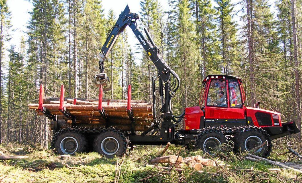 Vallsta Skogsmaskiner har 27 maskiner varav 11 Komatsu. (Bilden är inte från Vallstas maskinpark).