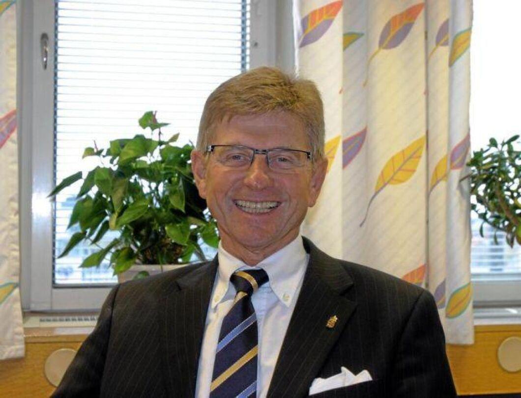 Sven Lindgren förbundsordförande i Hushållningssällskapens förbund samt i Sveriges Civilförsvarsförbund