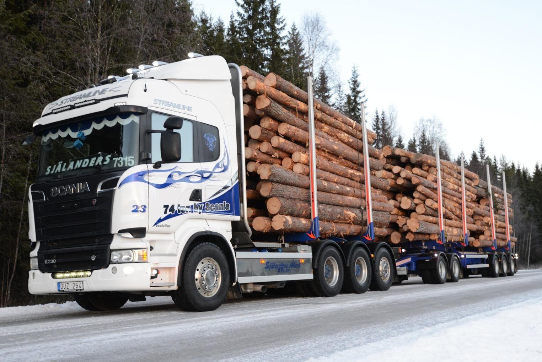 Mycket i Trafikverkets och Transportstyrelsens förslag driver utvecklingen åt fel håll, menar Sveriges Åkeriföretag.