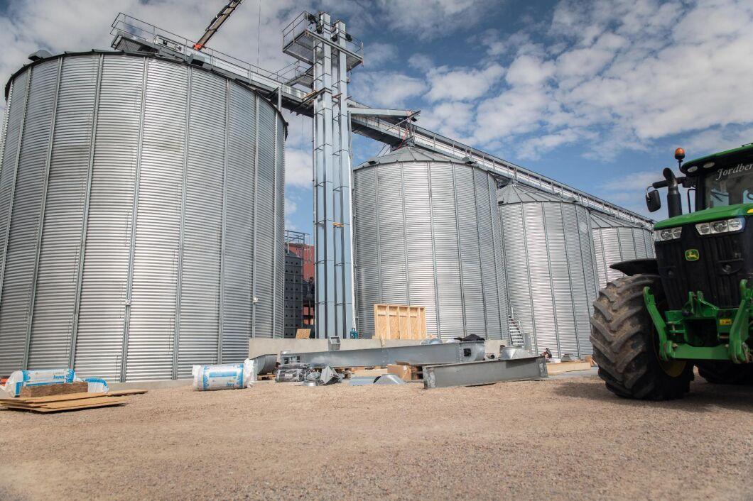 Att inte torka spannmålen kan innebära en risk vid lagring.