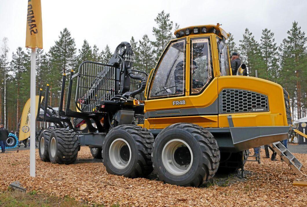 Sampo Rosenlew går från två till fem maskiner i sitt sortiment. Skotarna FR48 och 68 samt skördaren HR86 heter de nya maskinerna för den finska tillverkaren.