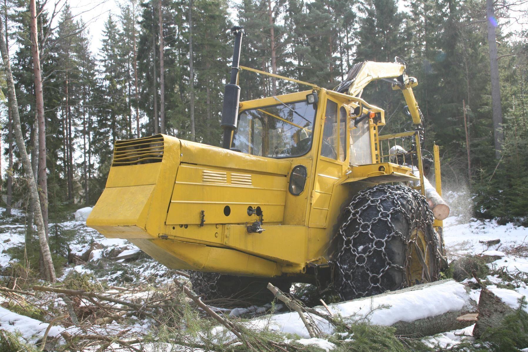 SMV Drivax köps främst av de större skogsbolagen på sin tid och det byggdes runt 250 exemplar.