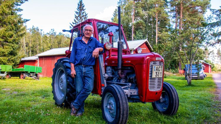Traktor från Vänerns botten nu i toppskick