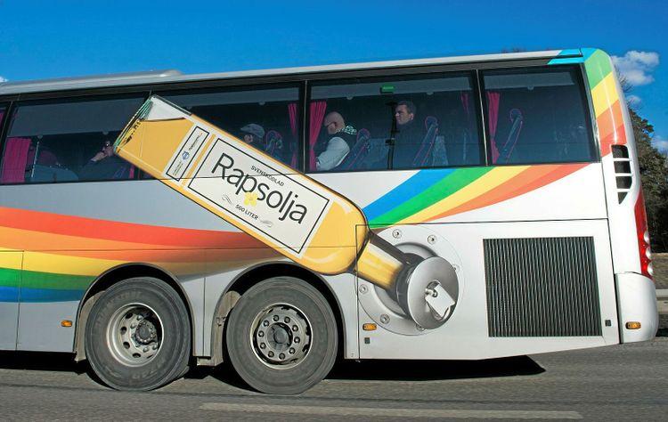 En buss som kör på  miljövänlig rapsolja, biobränsle.