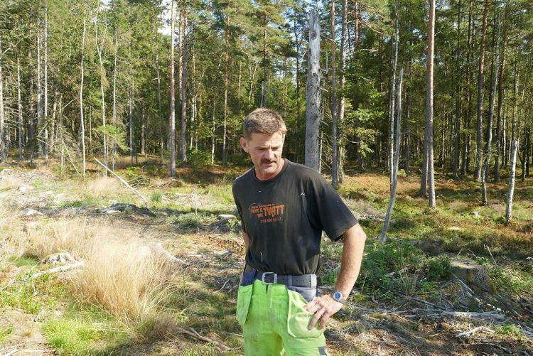 Hasse Hjalmarsson är skogsägare i Varbergs inland i Halland.