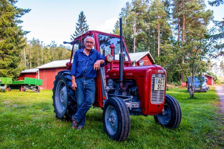 Traktorn var inte  i något vidare skick när den kom till Östergården. Efter ett år i Arnold Johanssons garage är den tipptopp.