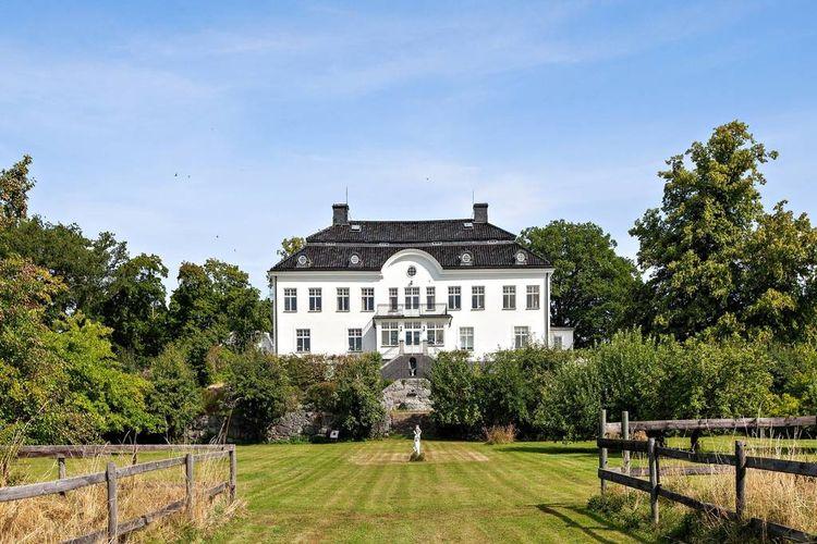 Bild på Rastaborgs Slott.