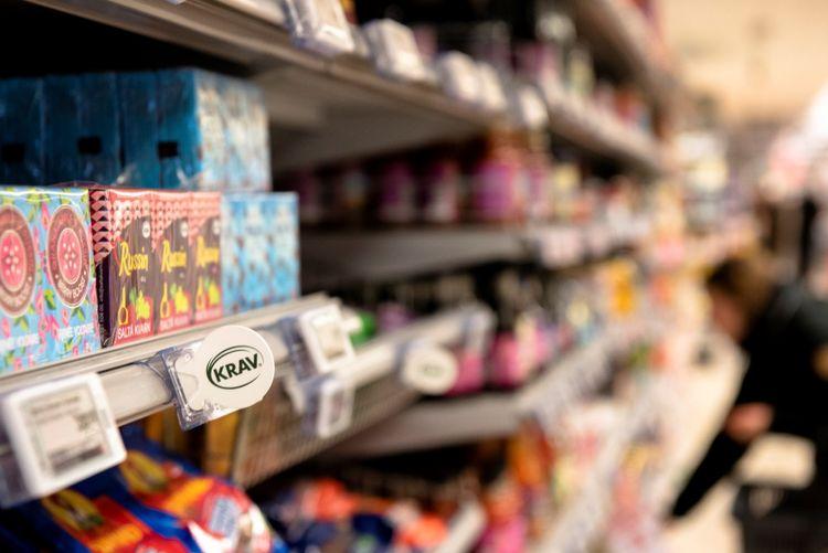 Bild på Krav-märkning i mataffär