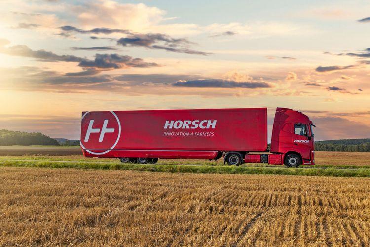 Horschs showtruck är på väg genom Europa och kommer snart till Sverige.