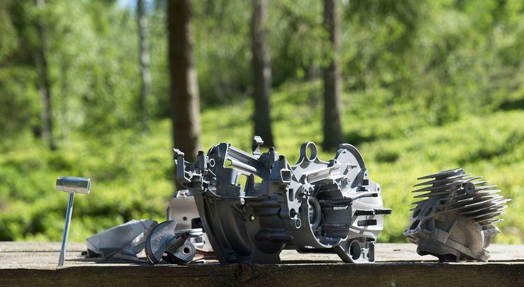 Vevhus och cylinder till motorsågen Husqvarna 592 XP.