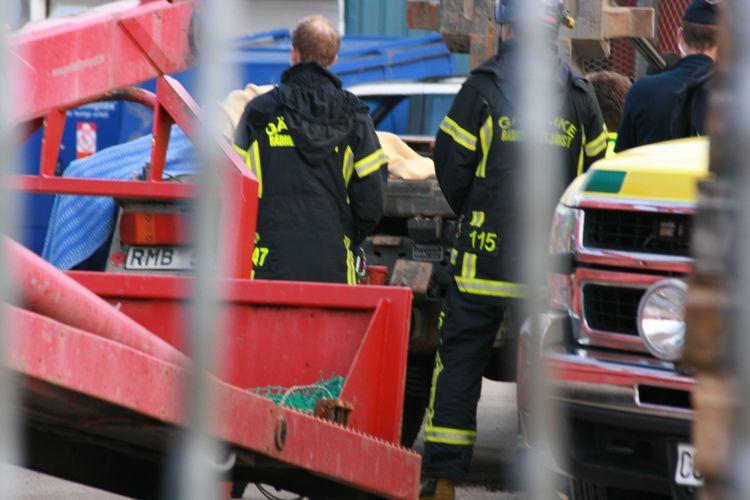 Räddningstjänst vid arbetsplatsolycka.