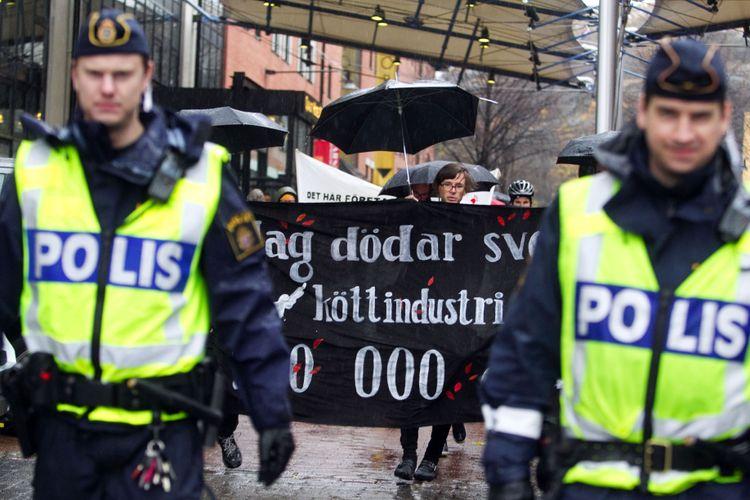 Laglig demonstration i Göteborg mot köttbranschen i oktober 2010.