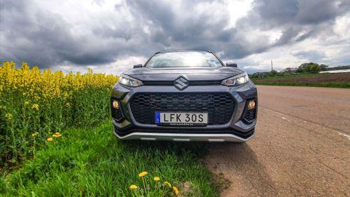 Toyotas hybridtvilling räcker långt