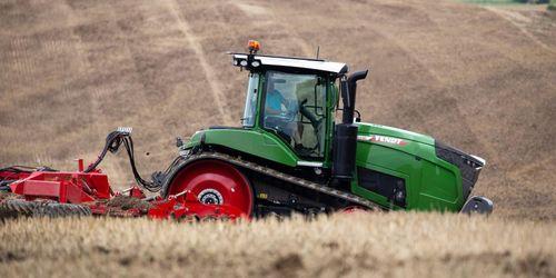 Traktortest: Uppdaterad Challenger i Fendt-kostym